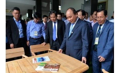 Vietnam must be one of the world's quality furniture manufacturing centers ""